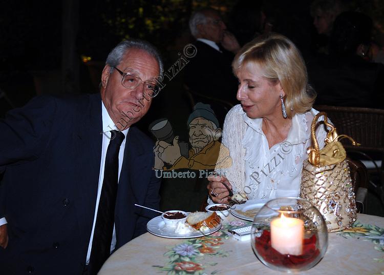 CESARE ROMITI CON SANDRA CARRARO<br /> SERATA ORGANIZZATA DAL PROFESSOR VIETTI ALLA CASINA DELL'AURORA ROMA 2007