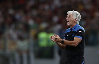 Calcio, Serie A: Roma - Atalanta, Stadio Olimpico, 27 agosto, 2018.<br /> Atalanta's coach Gian Piero Gasperini speaks to his players during the Italian Serie A football match between Roma and Atalanta at Roma's Stadio Olimpico, August 27, 2018.<br /> UPDATE IMAGES PRESS/Isabella Bonotto