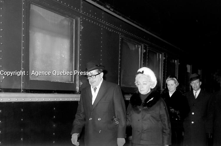 Daniel Johnson apres les Obseques du general Vanier, le 4 mai 1967 a la Basilique-Cathedrale Notre-Dame-de-Quebec<br /> <br /> Photographe : Photo Moderne<br /> - Agence Quebec Presse