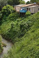 O presidente Luiz Inácio Lula da Silva e Dilma Roussef, presidente eleita, durante a inauguração das eclusas de TucuruíCom capacidade para dar passagem a 40 milhões de toneladas de carga por ano, as eclusas de Tucuruí, a maior do mundo segundo a Eletronorte, o estado do Pará..A obra, concluída por convênio entre o Ministério dos Transportes Denit, Eletrobras e Eletronorte,  faz parte do projeto da hidrovia Araguaia Tocantins que ligará Belém no Pará a região do alto Araguaia no Mato Grosso com uma extensão aproximada de 2 .000 kmTucuruí, Pará, Brasil.Paulo Santos<br /> 29/10/2010