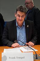 2. NSU-Untersuchungsausschuss dees Deutschen Bundestag.<br /> Aufgrund vieler Ungeklaertheiten und Fragen sowie vielen neuen Erkenntnissen ueber moegliche Verstrickungen verschiedener Geheimdienste in das Terror-Netzwerk Nationalsozialistischen Untergrund (NSU) wurde von den Abgeordneten des Bundestgas ein zweiter Untersuchungsausschuss eingesetzt.<br /> Am Donnerstag den 17. Dezember fand die 1. oeffentliche Sitzung des 2. NSU-Untersuchungsausschuss des Deutschen Bundestag statt.<br /> Im Bild: Frank Tempel, Mitglied der Linkspartei im Ausschuss.<br /> 17.12.2015, Berlin<br /> Copyright: Christian-Ditsch.de<br /> [Inhaltsveraendernde Manipulation des Fotos nur nach ausdruecklicher Genehmigung des Fotografen. Vereinbarungen ueber Abtretung von Persoenlichkeitsrechten/Model Release der abgebildeten Person/Personen liegen nicht vor. NO MODEL RELEASE! Nur fuer Redaktionelle Zwecke. Don't publish without copyright Christian-Ditsch.de, Veroeffentlichung nur mit Fotografennennung, sowie gegen Honorar, MwSt. und Beleg. Konto: I N G - D i B a, IBAN DE58500105175400192269, BIC INGDDEFFXXX, Kontakt: post@christian-ditsch.de<br /> Bei der Bearbeitung der Dateiinformationen darf die Urheberkennzeichnung in den EXIF- und  IPTC-Daten nicht entfernt werden, diese sind in digitalen Medien nach §95c UrhG rechtlich geschuetzt. Der Urhebervermerk wird gemaess §13 UrhG verlangt.]