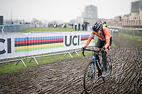 Lucinda Brand (NED/Baloise-Trek Lions) on her way to the rainbow jersey<br /> <br /> UCI 2021 Cyclocross World Championships - Ostend, Belgium<br /> <br /> Women's Race<br /> <br /> ©kramon