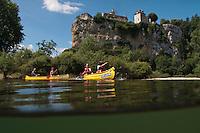 Europe/Europe/France/Midi-Pyrénées/46/Lot/Creysse: Descente de la vallée de la Dordogne en canoé, devant le Château de Belcastel