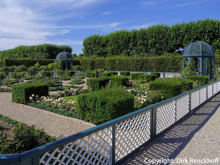 Rosengarten in Großer Garten der barocken Herrenhäuser Gärten, Hannover, Niedersachsen, Deutschland, Europa<br /> Rose garden in great Garden of baroque Herrenhausen Gardens, Hanover, Lower Saxony, Germany, Europe