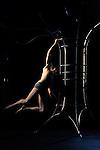LE ROSSIGNOL ET LA ROSE....Chorégraphie : Julie Portanguen..Le Dansoir..Paris..le 14/02/2012....© Laurent Paillier / photosdedanse.com