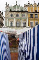 Europe/Pologne/Zamosc: Détails de facades des maisons de la place du marché - autrefois propriété des Arméniens-Rynek Wielki - architecte Bernardo Morando