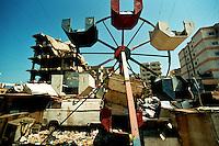 Shatila / Beirut / Libano - 2007.Veduta del campo palestinese alla periferia di Beirut dove nel 1982 si svolse il massacro dei Palestinesi e civili libanesi da parte dei gruppi armati Cristiano Maroniti alleati dell'esercito israeliano..Foto Livio Senigalliesi...Shatila / Beirut / Lebanon - 2007.view of palestinian refugee camp..The Sabra and Shatila massacre took place in the Sabra and Shatila Palestinian refugee camps in Beirut, Lebanon between September 16 and September 18, 1982, during the Lebanese civil war. Palestinian and Lebanese civilians were massacred in the camps by Christian Lebanese Phalangists while the camp was surrounded by the Israel Defense Force..Photo Livio Senigalliesi