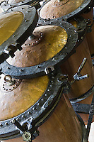 Europe/France/Aquitaine/24/Dordogne/Vallée de la Dordogne/Périgord/Périgord Noir/Sarlat-la-Canéda: Alambic  à la distillerie de la Salamandre