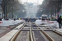 Mehrere tausend Menschen protestierten am Samstag den 18. Januar 2014 in Magdeburg gegen eine Demonstration von ca. 700 Neonazis. Die Nazis demonstrierten in Gedenken an die Bombardierung von Magdeburg am 16.1.1945 durch die Alliierten.<br />Die Polizei verhinderte erfolgreich alle Blockadeversuche der Gegendemonstranten. Dafür waren Polizeieinheiten aus Berlin, Niedersachsen, Sachsen und Hessen nach Magdeburg beordert worden.<br />18.1.2014, Magdeburg<br />Copyright: Christian-Ditsch.de<br />[Inhaltsveraendernde Manipulation des Fotos nur nach ausdruecklicher Genehmigung des Fotografen. Vereinbarungen ueber Abtretung von Persoenlichkeitsrechten/Model Release der abgebildeten Person/Personen liegen nicht vor. NO MODEL RELEASE! Don't publish without copyright Christian-Ditsch.de, Veroeffentlichung nur mit Fotografennennung, sowie gegen Honorar, MwSt. und Beleg. Konto:, I N G - D i B a, IBAN DE58500105175400192269, BIC INGDDEFFXXX, Kontakt: post@christian-ditsch.de<br />Urhebervermerk wird gemaess Paragraph 13 UHG verlangt.]