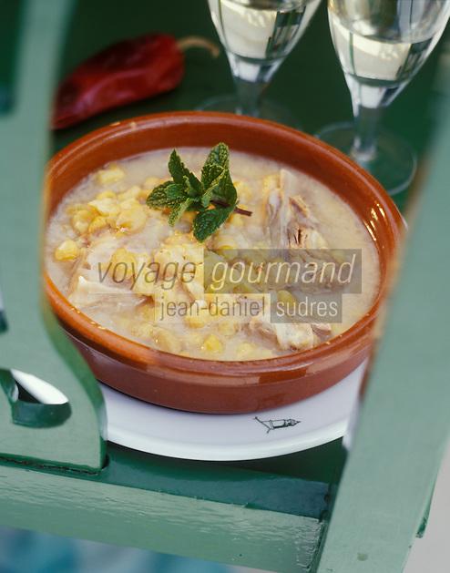 """Europe/Espagne/Canaries/Lanzarote/San Bartholomé : Soupe de maïs à la viande- Recette du restaurant """"Casa del Campesino"""""""