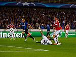 Belgie, Brugge, 26 augustus 2015<br /> Champions League play-offs<br /> Seizoen 2015-2016<br /> Club Brugge-Manchester United<br /> Wayne Rooney van Manchester United passeert keeper Sinan Bolat van Club Brugge, 0-1