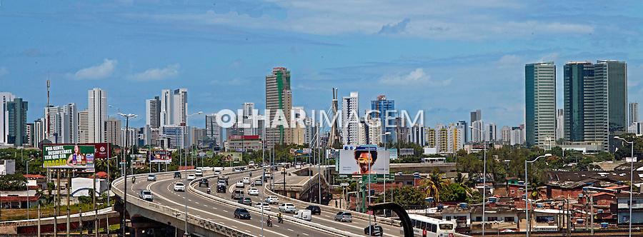Via elevada e bairros do Pina e Boa Viagem em Recife. Pernambuco. 2014. Foto de Joao Urban.