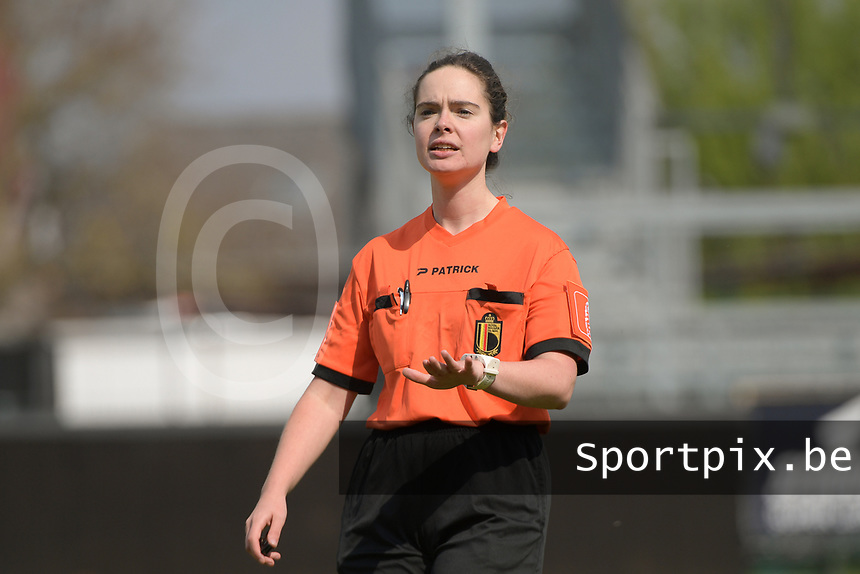 referee Irmgard Van Meirvenne pictured during a female soccer game between Eendracht Aalst and SV Zulte Waregem on the fourth matchday of play off 2 of the 2020 - 2021 season of Belgian Scooore Womens Super League , Saturday 1 st of May 2021  in Aalst , Belgium . PHOTO SPORTPIX.BE | SPP | DIRK VUYLSTEKE