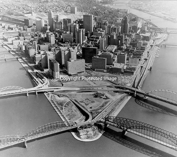 Pittsburgh PA:  Aerial View of Pittsburgh and the Gateway Towers construction.  Gateway Towers is under construction (next to Hilton) and Point State Park is taking shape.