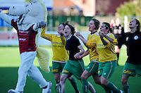 Dames Zulte-Waregem - RSC Anderlecht Dames : vreugde na de westrijd bij Zulte-Waregem na de winst tegen titelkandidaat Anderlecht.foto VDB / BART VANDENBROUCKE.