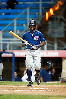Hudson Valley Renegades outfielder Deshun Dixon #1 during the second game of a double header against the Jamestown Jammers at Russell Diethrick Park on August 6, 2012 in Jamestown, New York.  Hudson Valley defeated Jamestown 4-2.  (Mike Janes/Four Seam Images)