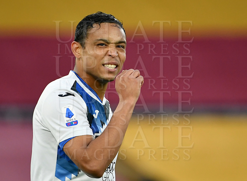 Football, Serie A: AS Roma - Atalanta Olympic stadium, Rome, April 22, 2021. <br /> Atalanta's Luis Muriel reacts during the Italian Serie A football match between AS Roma and Atalanta at Rome's Olympic stadium, Rome, on April 22, 2021.  <br /> UPDATE IMAGES PRESS/Isabella Bonotto