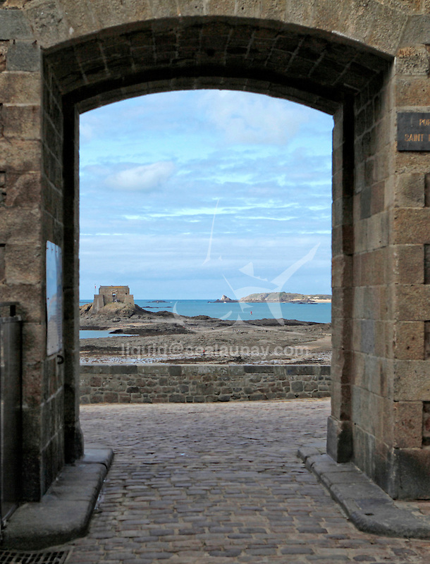 Saint-Malo (Breton: Sant-Maloù; Gallo: Saent-Malô) is a walled port city in Brittany in northwestern France on the English Channel. It is a sub-prefecture of the Ille-et-Vilaine department.<br /> The population can increase to up to 200,000 in the summer tourist season. With the suburbs included, the population is about 135,000.<br /> Inhabitants of Saint-Malo are called Malouins, Malouines.