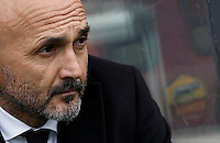 Calcio, Serie A: Roma vs Hellas Verona. Roma, stadio Olimpico, 17 gennaio 2016.<br /> Roma's coach Luciano Spalletti waits for the start of the Italian Serie A football match between Roma and Hellas Verona at Rome's Olympic stadium, 17 January 2016.<br /> UPDATE IMAGES PRESS/Isabella Bonotto