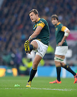 Handre Pollard of South Africa takes a penalty kick during the Semi Final of the Rugby World Cup 2015 between South Africa and New Zealand - 24/10/2015 - Twickenham Stadium, London<br /> Mandatory Credit: Rob Munro/Stewart Communications