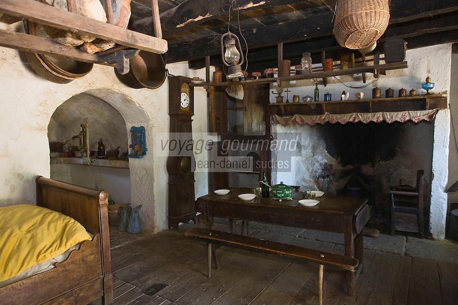 Europe/France/Midi-Pyrénées/46/Lot/Env de Sauliac-sur-Célé/Cuzals: Musée de plein air du Quercy, La cuisine de la ferme  du 19 éme
