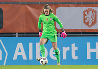BREDA, NETHERLANDS - NOVEMBER 27: Alyssa Naeher #1 of the USWNT passes the ball during a game between Netherlands and USWNT at Rat Verlegh Stadion on November 27, 2020 in Breda, Netherlands.