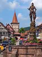Marktplatz und Obertorturm, Gengenbach, Ortenaukreis, Baden-Württemberg, Deutschland, Europa<br /> Market Place and Obertorturm, Gengenbach, Ortenaukreis, Baden-Wuerttemberg, Germany, Europe