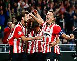 Nederland, Eindhoven, 15 september 2015<br /> Champions League<br /> Seizoen 2015-2016<br /> PSV-Manchester United<br /> PSV juicht na een doelpunt van Luciano Narsingh. Met Luuk de Jong en Davy Propper