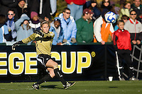 Notre Dame Fighting Irish goalkeeper Kelsey Lysander (13). The North Carolina Tar Heels defeated the Notre Dame Fighting Irish 2-1 during the finals of the NCAA Women's College Cup at Wakemed Soccer Park in Cary, NC, on December 7, 2008. Photo by Howard C. Smith/isiphotos.com