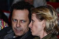 RIO DE JANEIRO-25/06/2012-Vik Muniz e Deborah Colker no evento de reabertura do Teatro Ipanema, palco de grandes momentos da historia teatral carioca, em Ipanema, zona sul do Rio.Foto:Marcelo Fonseca-Brazil Photo Press