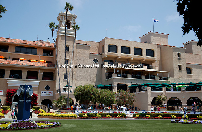 DEL MAR, CA  JULY 16: Del Mar from the paddock with crowds for the first time since 2019. (Photo by Casey Phillips/ Eclipse Sportswire/ CSM)
