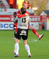 KV Kortrijk - SV Zulte-Waregem..vreugde na de 2-0 . Laurent Ciman springt in de armen van doelman Glenn Verbauwhede..foto VDB / BART VANDENBROUCKE