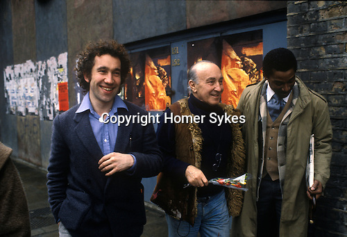 Simon Callow with the painter Felix Topolski outside the National Theatre South Bank London 1970s UK. Felix Topolski  had a working studio under the arches at the time.