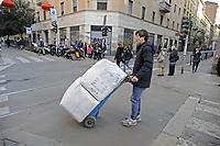 - Milano, Chinatown di via paolo Sarpi, commerciante cinese<br /> <br /> - Milan, Chinatown of Paolo Sarpi street, Chinese merchant