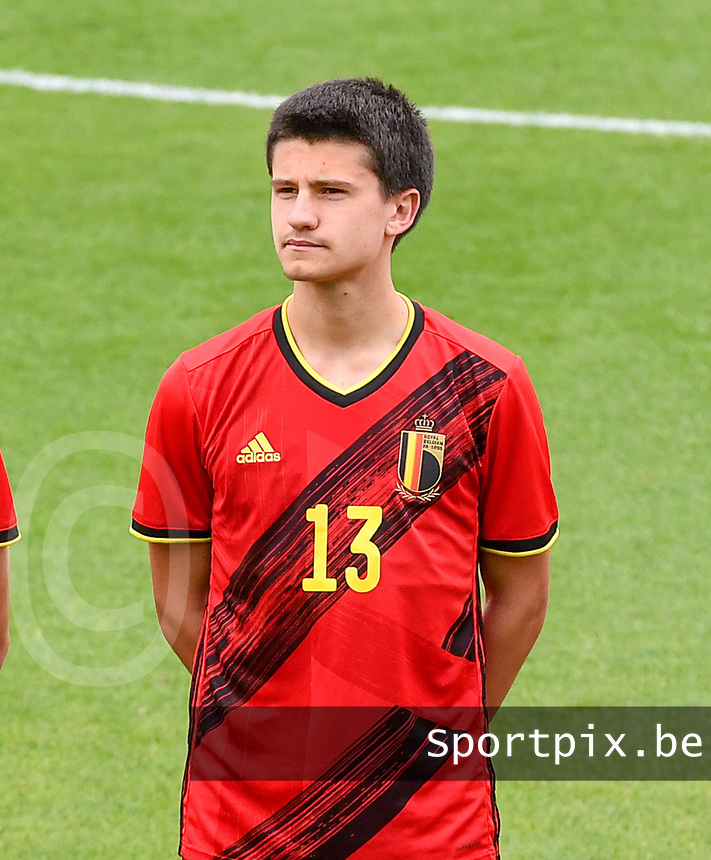 Vincent Burlet (13) of Belgium pictured in action during a soccer game between the national teams Under17 Youth teams of  Norway and Belgium on day 3 in the Qualifying round in group 3 on Tuesday 12 th of October 2020  in Tubize , Belgium . PHOTO SPORTPIX | DAVID CATRY
