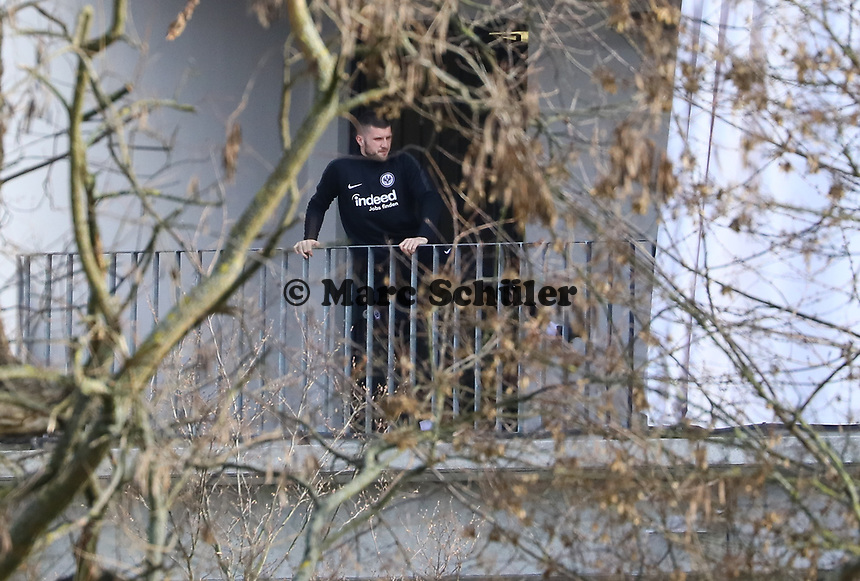 Ante Rebic (Eintracht Frankfurt) beim Training im Stadionring - 20.02.2019: Eintracht Frankfurt Training, UEFA Europa League, Commerzbank Arena, DISCLAIMER: DFL regulations prohibit any use of photographs as image sequences and/or quasi-video.