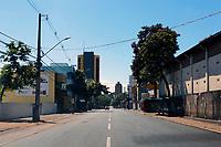 Foz do Iguaçu (PR), 22/03/2020 - Coronavírus / Foz do Iguaçu -  Rua Almirante Barroso no centro de Foz do Iguaçu (PR) totalmente vazia na manhã deste domingo (22). Fato ocorre devido ao COVID-19. (Foto: Paulo Lisboa/Brazil Photo Press/Agencia O Globo) País