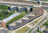 BSU Hamburg: EUROPA, DEUTSCHLAND, HAMBURG, (EUROPE, GERMANY), 19.05.2020: Dienststelle der Behörde für Stadtentwicklung und Umwelt Hamburg, BSU,  Neuenfelder Strasse, Sprinkenhof AG, Verwaltungsneubau, Planungsteam Sauerbruch Hutton, Berlin und Reuter & Ruehrgarten, <br /> Mit dem Umzug nach Wilhelmsburg setzen wir ein deutliches Signal fuer den Sprung ueber die Elbe. Der BSU Neubau soll architektonisch einen wichtigen Akzent fuer die Neue Mitte Wilhelmsburg setzen. Oekologisch wollen wir mit gutem Beispiel voran gehen und ein Gebaeude schaffen, das nicht nur gute Arbeitsbedingungen bietet, sondern auch als Vorbild fuer oekologisches Bauen dienen soll.