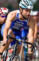 31 JUL 2011 - LONDON, GBR - Adam Bowden - Elite men's wave - Virgin Active London Triathlon (PHOTO (C) NIGEL FARROW)