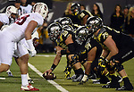 EUGENE, OR - NOVEMBER 1:  during the first half of the game at Autzen Stadium on November 1, 2014 in Eugene, Oregon. (Photo by Steve Dykes/Getty Images) *** Local Caption *** L