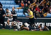 Photo: Richard Lane/Richard Lane Photography. Wasps v Stade Rochelais.  European Rugby Champions Cup. 17/12/2017. Wasps' Dan Robson attacks.