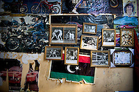 In a small room separated from the garage, Khalifa maintains his private museum. On walls, his trainer's certificate, pictures taken with Mohamed Ali but also memories of his second passion: the motorcycle. Victim of an accident in 1984, he is hospitalized for more than a year in France. Expenses will be completely taken care by the Libyan State in its quality of former boxer.