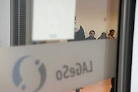 """Die """"Zentrale Aufnahmeeinrichtung des Landes Berlin fuer Asylbewerber"""" (ZAA) des Berliner Landesamt fuer Gesundheit und Soziales (LaGeSo) in der Turmstrasse 21 in Berlin-Moabit. Hier werden alle in Berlin ankommenden Fluechtlinge registriert und bekommen eine Erstversorgung. In dieser Erstaufnahmestelle werden sie auf die vom Land bereitgestellten Unterkuenfte verteilt.<br /> Im Bild: Fluechtlinge warten in einem der Warteraeume.<br /> 24.9.2014, Berlin<br /> Copyright: Christian-Ditsch.de<br /> [Inhaltsveraendernde Manipulation des Fotos nur nach ausdruecklicher Genehmigung des Fotografen. Vereinbarungen ueber Abtretung von Persoenlichkeitsrechten/Model Release der abgebildeten Person/Personen liegen nicht vor. NO MODEL RELEASE! Don't publish without copyright Christian-Ditsch.de, Veroeffentlichung nur mit Fotografennennung, sowie gegen Honorar, MwSt. und Beleg. Konto: I N G - D i B a, IBAN DE58500105175400192269, BIC INGDDEFFXXX, Kontakt: post@christian-ditsch.de<br /> Urhebervermerk wird gemaess Paragraph 13 UHG verlangt.]"""