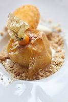 Europe/France/Rhône-Alpes/74/Haute Savoie/Avoriaz: Pomme au four, crumble et confiture de lait, et sa glace vanille - recette de Laurent Simon chef du restaurant: Le Bistro