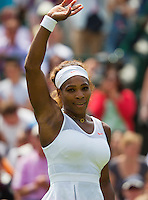 27-06-13, England, London,  AELTC, Wimbledon, Tennis, Wimbledon 2013, Day four, Serena Williams (USA) waves to the crowd<br /> <br /> <br /> <br /> Photo: Henk Koster