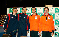 5-4-07, England, Birmingham, Tennis, Daviscup England-Netherlands, saturday doubles: Jamie Murray and Greg Rusetski versus Rogier Wassen and Igor Sijsling