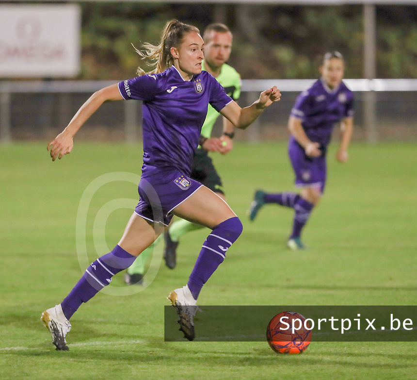 Tessa Wullaert (27 Anderlecht) with the ball during a female soccer game between RSC Anderlecht Dames and AA Gent Ladies  on the seventh matchday of the 2020 - 2021 season of Belgian Womens Super League , friday 13 th of November 2020  in Overijse , Belgium . PHOTO SPORTPIX.BE | SPP | SEVIL OKTEM