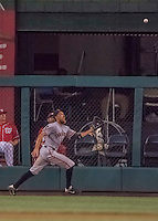 6 August 2016: San Francisco Giants right fielder Hunter Pence gets the final out of the game against the Washington Nationals at Nationals Park in Washington, DC. The Giants defeated the Nationals 7-1 to even their series at one game apiece. Mandatory Credit: Ed Wolfstein Photo *** RAW (NEF) Image File Available ***