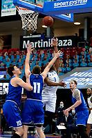 43 KM<br /> GRONINGEN -  Basketbal,  Donar - Den Helder Suns Elite A seizoen 2020--2021, 27-03-2021, Donar speler Jarred Ogungbemi-Jackson op weg naar een score gehinderd door Den Helder speler Tom Koopman