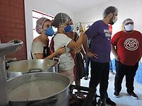Recife (PE), 04/06/2021 -  Guilherme Boulos (PSOL), durante inauguração da cozinha solidária, nesta sexta-feira (4), no bairro da Torre, zona oeste do Recife. O Possível candidato ao governo de São Paulo, está cumprindo agenda na capital pernambucana. Boulos está cumprindo agenda como membro da Coordenação Nacional do Movimento dos Trabalhadores Sem Teto (MTST), movimento organizdor da cozinha solidária.